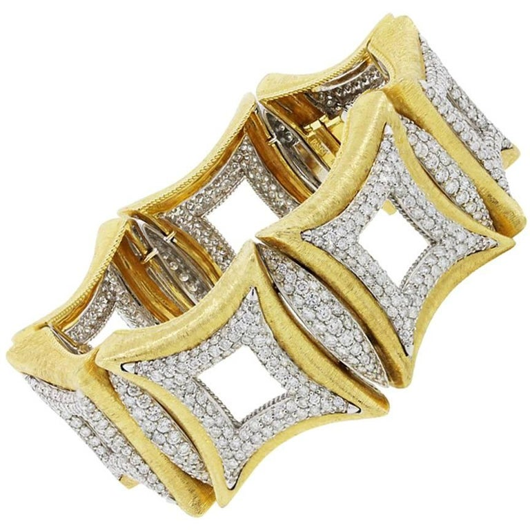 Round Brilliant Diamond Pave Wide Bracelet