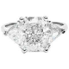 GIA Certified 2.52 Carat Radiant E VS1 Diamond White Gold Ring