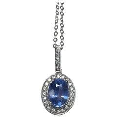 Ceylon Light Blue Sapphire and Diamond 1.14 Carat Gold Halo/Cluster Pendant