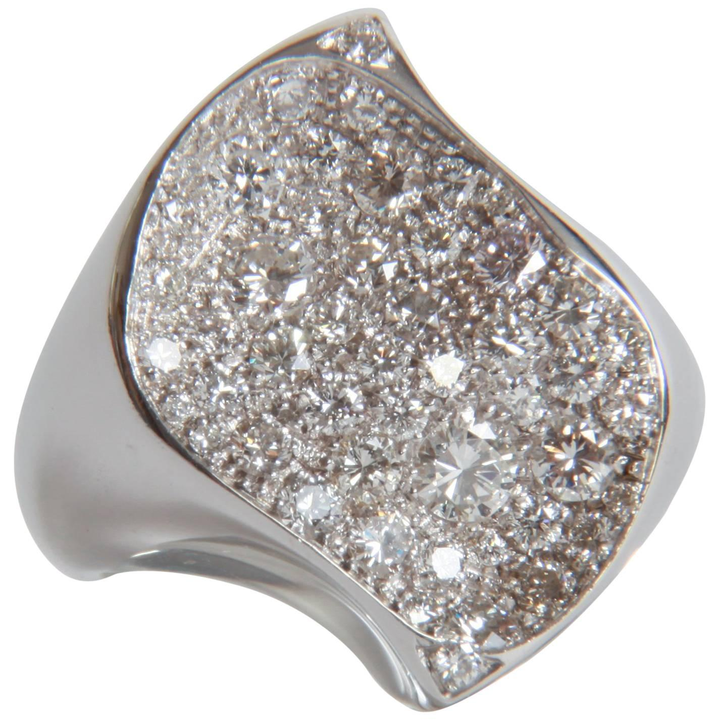 18K White Gold and 1,56 carats Diamonds Raving Ring by Marion Jeantet