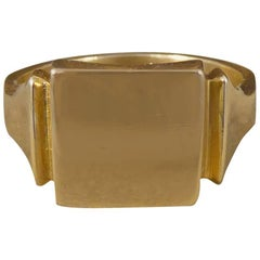 Art Deco Square Faced Signet Ring in 9 Carat Gold