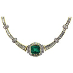 20.00 Carat Emerald Gold and Diamond Necklace, 18 Karat