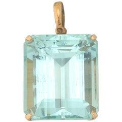 Art Deco VS Clarity Emerald Cut 39 Carat Aquamarine 14 Karat Gold Pendant