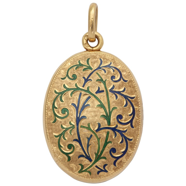 Art Nouveau Style English 18 Karat Locket