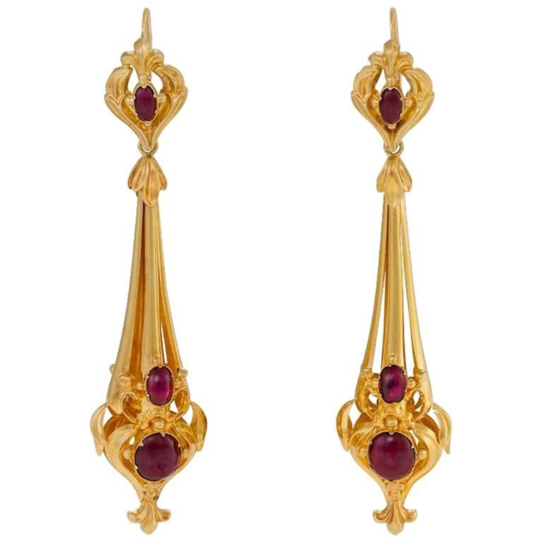English Early Victorian Gold and Garnet Pendant Earrings For Sale