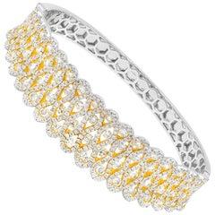7.50 Carat Fancy Light Yellow Diamonds 18 Karat White Gold Bangle Bracelet