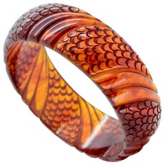 Antique Art Deco Root Beer Scalloped and Carved Bakelite Bangle