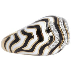 David Webb 18 Karat Black and White Enamel Ring with Diamonds, circa 1960