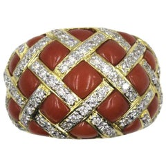 Diamond Coral Quilted 18 Karat Yellow Gold Ring
