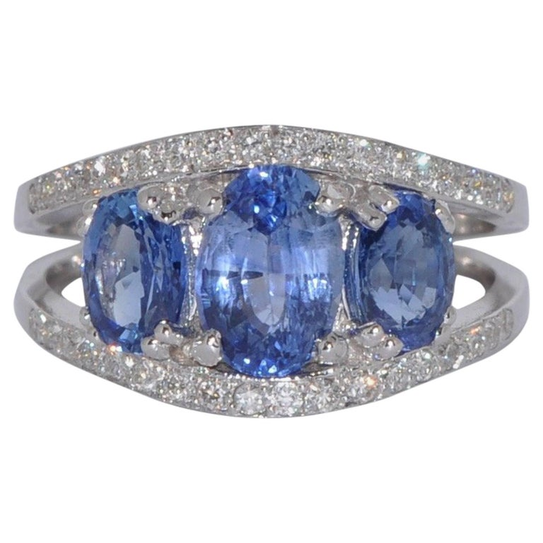 Blue Sapphires 3.0 Carat and White Diamonds White Gold Ring