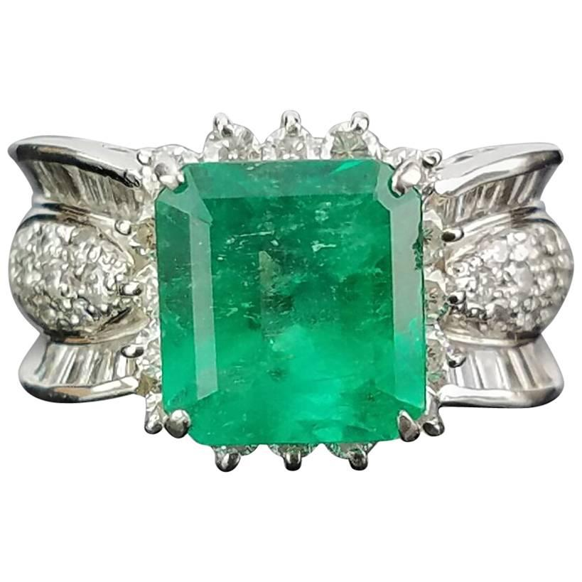 Colombian Emerald and Diamond Cocktail Ring