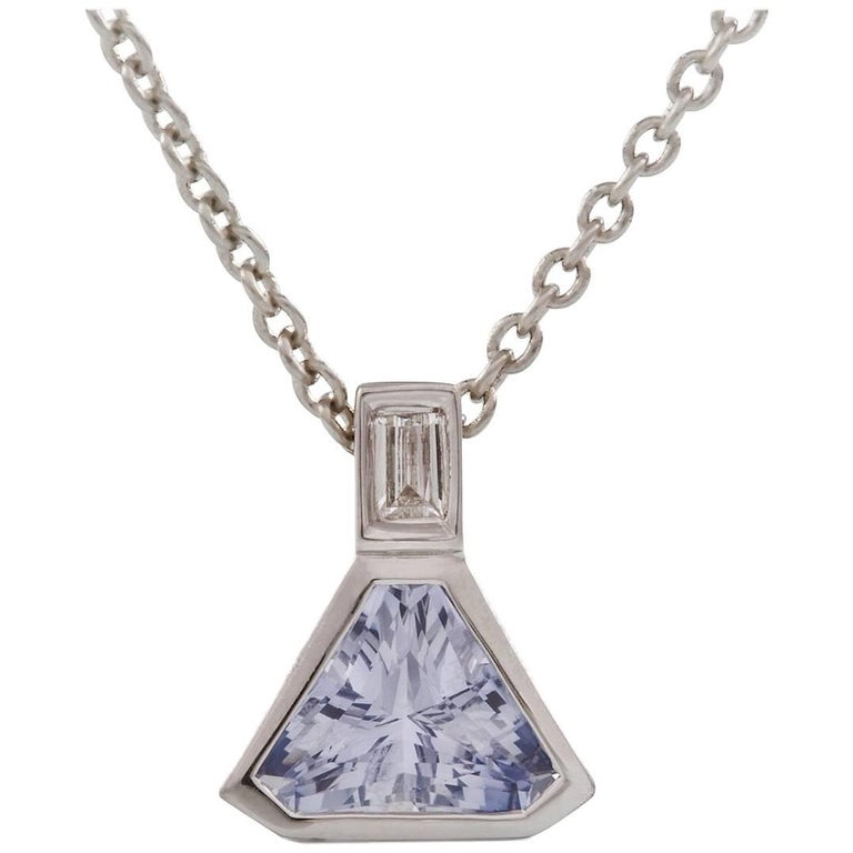Kian Design 18 Carat White Gold 2.37 Blue Ceylon Sapphire and Diamond Pendant For Sale