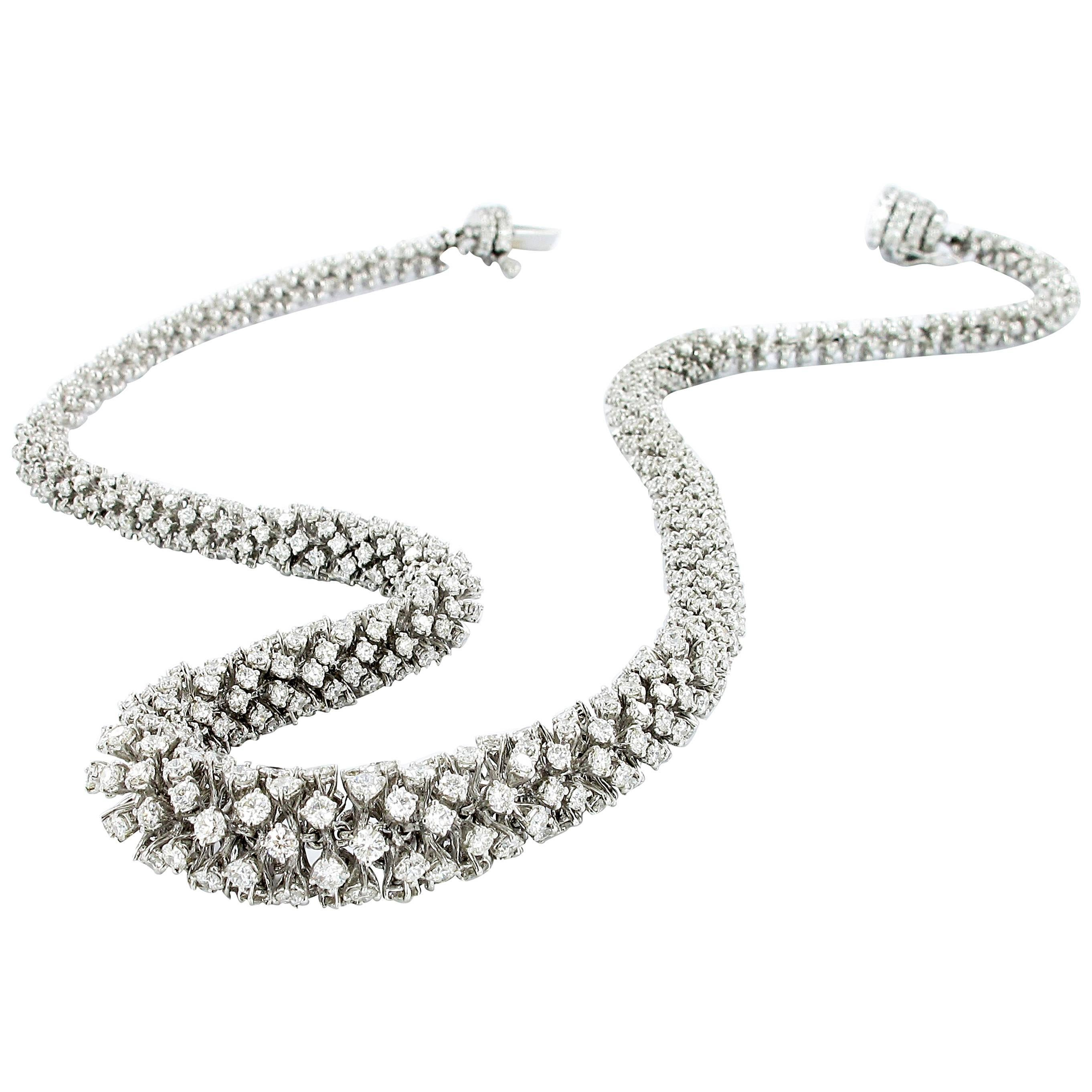 Diamond Necklace in White Gold 18K
