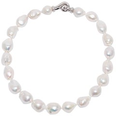 Baroque Pearls Diamonds and White Gold Clasp Necklace