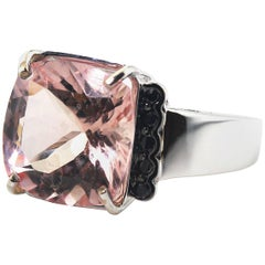 Gemjunky Modern 5.84 Cts Clear Morganite & Black Diamond Cocktail Gold Ring