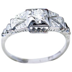 Art Deco Diamond and White Gold Filigree Engagement Ring