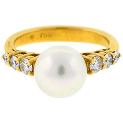 18 Karat Yellow Gold Mikimoto Pearl and Diamond Ladies Ring