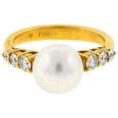 18 Karat Yellow Gold Mikimoto Pearl and Diamond Ladies Ring