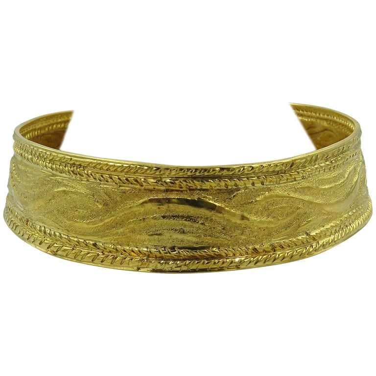 Lalaounis Textured Gold Choker Necklace For Sale