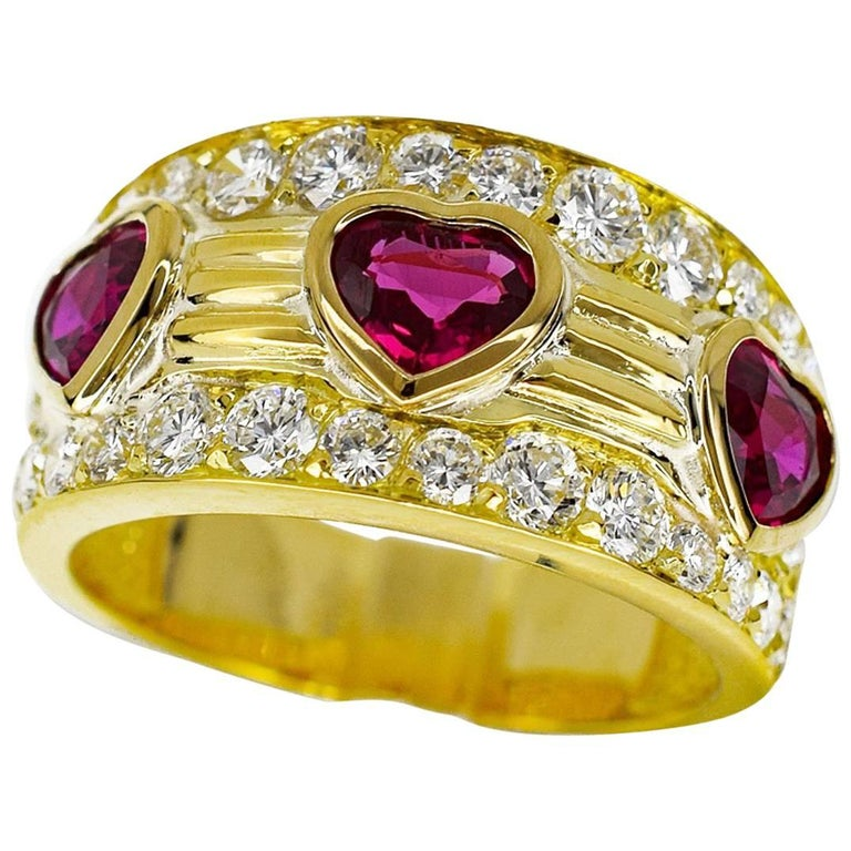 2c2530ca75b5 Van Cleef and Arpels Diamond Ruby 18 Karat Yellow Gold Heart Shape Ring US  4.7 For