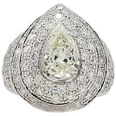 Contemporary White Gold and  Central Diamonds Fashion Ring