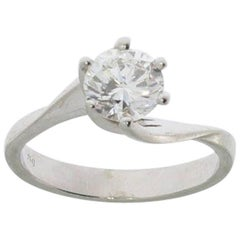 Solitaire Engagement Gold Ring