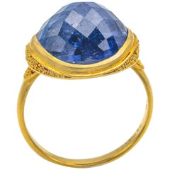 11.30 Carat Tanzanite Faceted Dome Ring 18 Karat Gold Texture Granulation