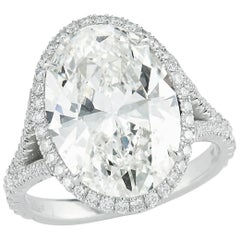 Kwiat 6.10 carat Oval-Cut Diamond Ring