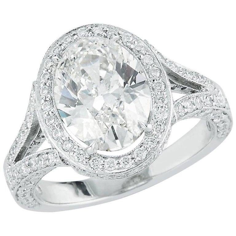 2.60 carat Oval-Cut Diamond Ring