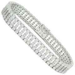 14.75 Carat Diamond and White Gold Bracelet