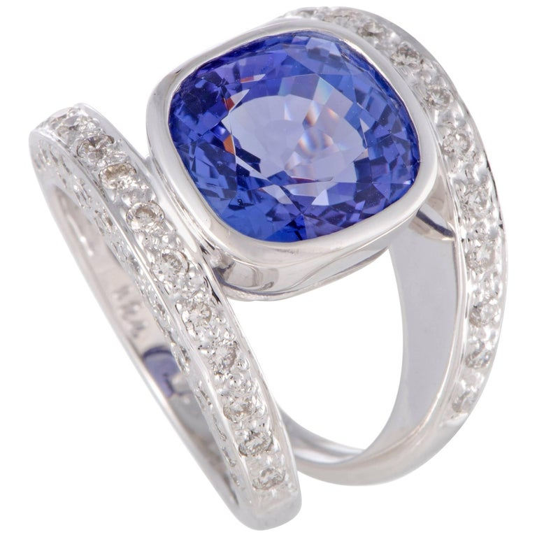 Diamond and Tanzanite White Gold Double Band Ring For Sale at 1stdibs