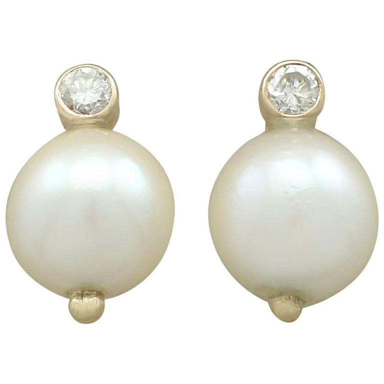 Vintage 1970s Cultured Pearl and Diamond Yellow Gold Stud Earrings