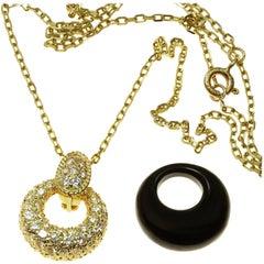 Van Cleef & Arpels Diamond Onyx 18 Karat Yellow Gold Pendant Necklace