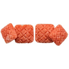 Interwoven Square Cufflinks in Mediterranean Coral and Gold