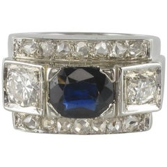 French 1940s 18 Karat White Gold Sapphire Diamonds Ring