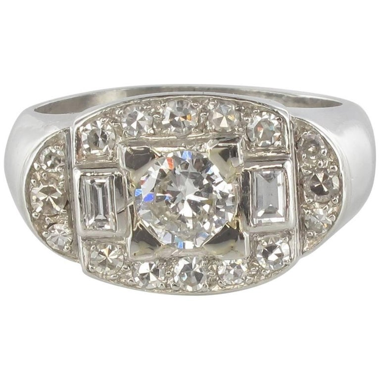 French 1930s Art Deco Platinum White Gold Diamonds Ring