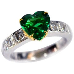 Heart Shaped Emerald Diamond 18 Karat Gold Solitaire Ring