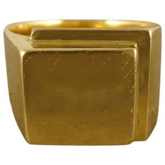 Vintage Men's Heavy Square Signet Ring in 18 Carat Yellow Gold