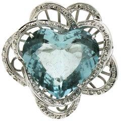 Aquamarine Heart 18 karat White Gold Diamonds Cocktail Ring