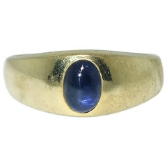 Fine Natural Sapphire and 18 Karat Gold Ring