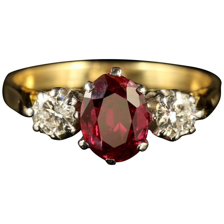 Antique Victorian Ruby Diamond Ring 18 Carat Gold, circa 1900