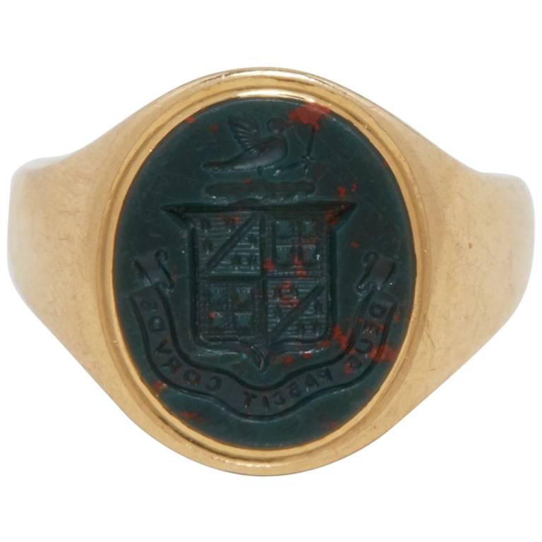 18 Karat Yellow Gold Gentlemen's Signet Ring