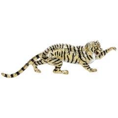 Vintage Handmade 18 Karat Yellow Gold and Ceramic Tiger Pin