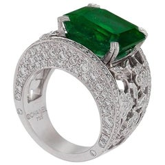 Chanel Emerald Diamond and Gold Ring