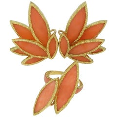 1970s Chaumet Coral Yellow Gold Earrings and Ring Set