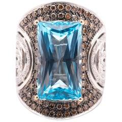 Bagatelle White Gold and Blue Topaz Ring
