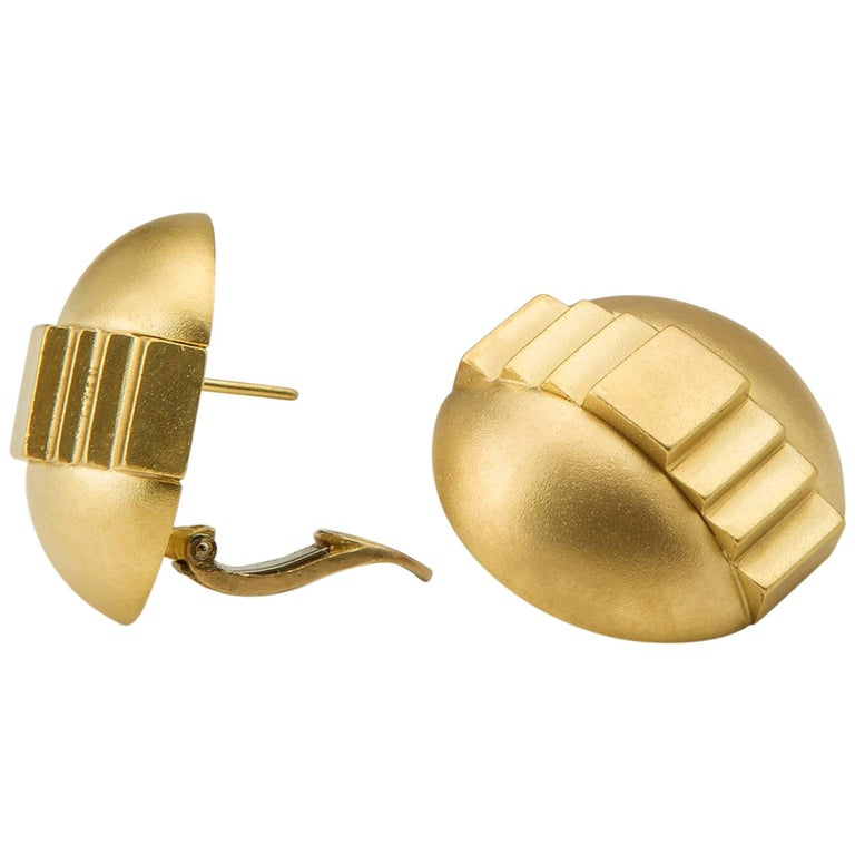 Kieselstein, Cord Deco Domed Gold Earrings