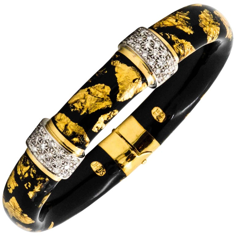 1.32 ct Diamonds 18 Karat Yellow Gold Black Enamel Soho Bangle Bracelet 1