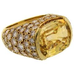 Vintage Van Cleef & Arpels 18k Gold Bombe Ring Yellow Sapphire Diamond