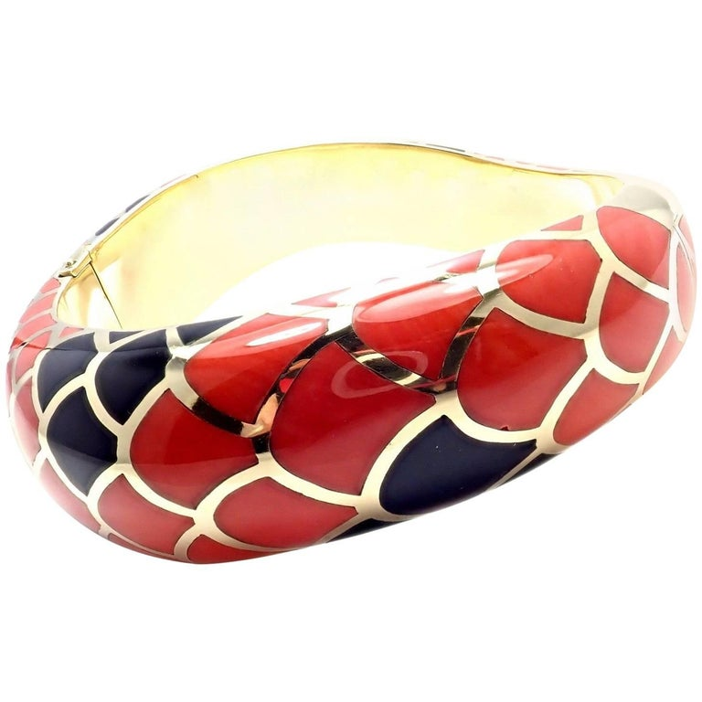 Angela Cummings Inlaid Red and Black Coral Snakeskin Yellow Gold Bangle Bracelet